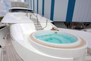 Yacht CHASING DAYLIGHT -  Spa Pool on Fordeck