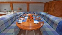Yacht CHILDS PLAY - Galley Seating