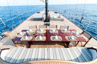 Yacht DOLCE VITA -  Exterior Dining
