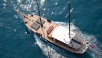 Yacht DOLCE VITA -  From Above