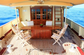 Yacht DP MONITOR - Aft Deck Dining