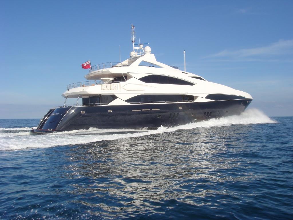 Motor yacht DEVOCEAN - Sunseeker 37m