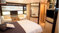 Yacht Dolce Mia - Master Cabin
