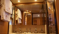 Yacht EOL B -  Master Ensuite