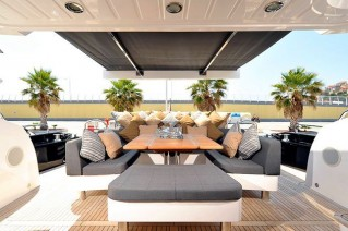 Yacht FREE WILLI -  Aft Deck Dining