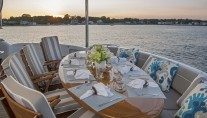 Yacht GALE WINDS - Alfresco dining aft deck