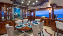 Yacht GALE WINDS - Dining
