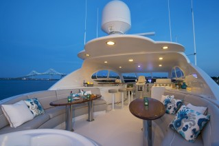 Yacht GALE WINDS - Sundeck and seating