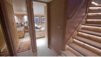 Yacht GOLDEN TOUCH - Companionway