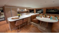 Yacht GOLDEN TOUCH - Galley and Country Kitchen