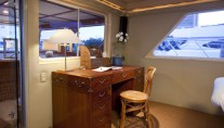 Yacht Georgiana - Desk