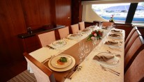 Yacht HYE SEAS II -  Formal Dining