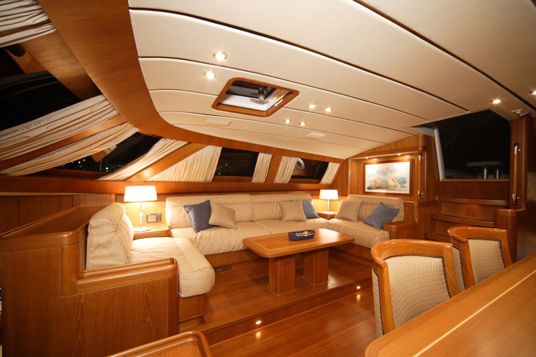 Yacht illusion of the isles southern wind shipyard sw 100 for Yacht interior design decoration