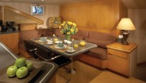Yacht INDEPENDENCE 2 -  Galley Dinette 2