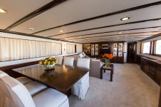 Yacht INDIA - Main Salon 2