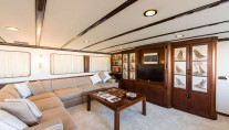 Yacht INDIA - Main Salon Seating 2