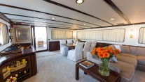 Yacht INDIA - Main Salon