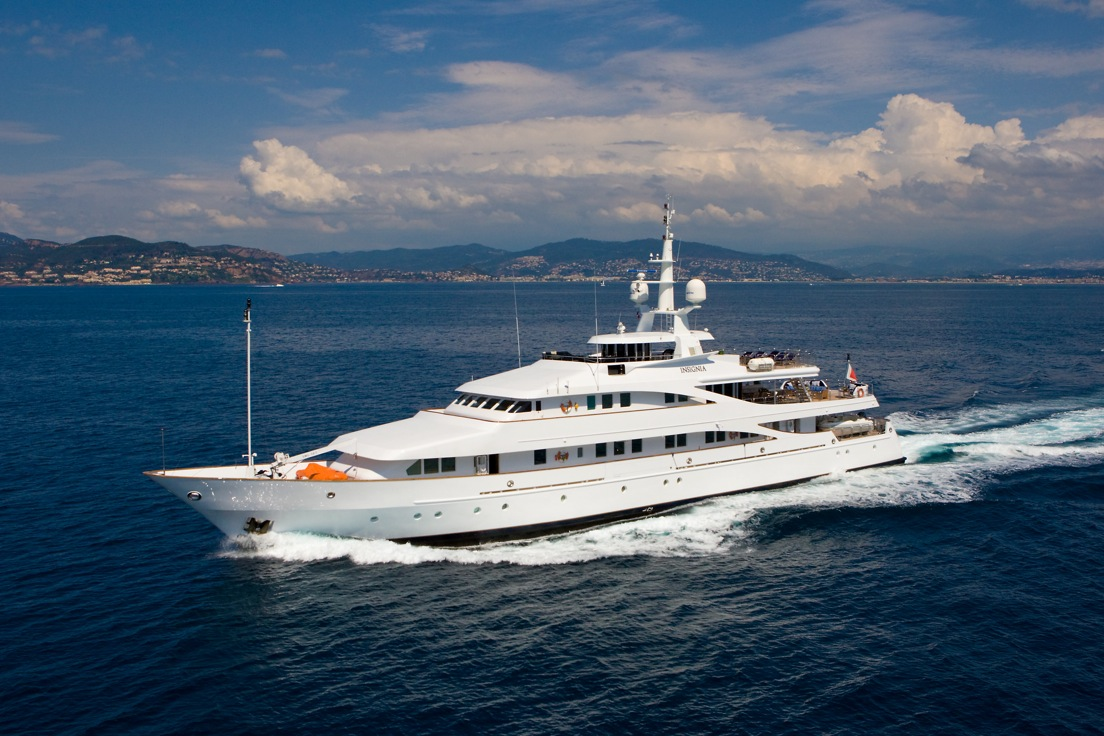 luxury yacht insignia