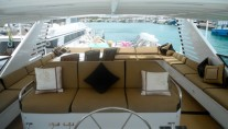 Yacht ISLAND TIME - Flybridge Looking Aft