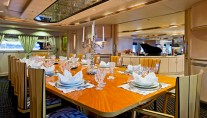 Yacht ISLANDER -  Formal Dining