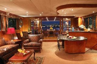 Yacht KAYANA -  Main Salon