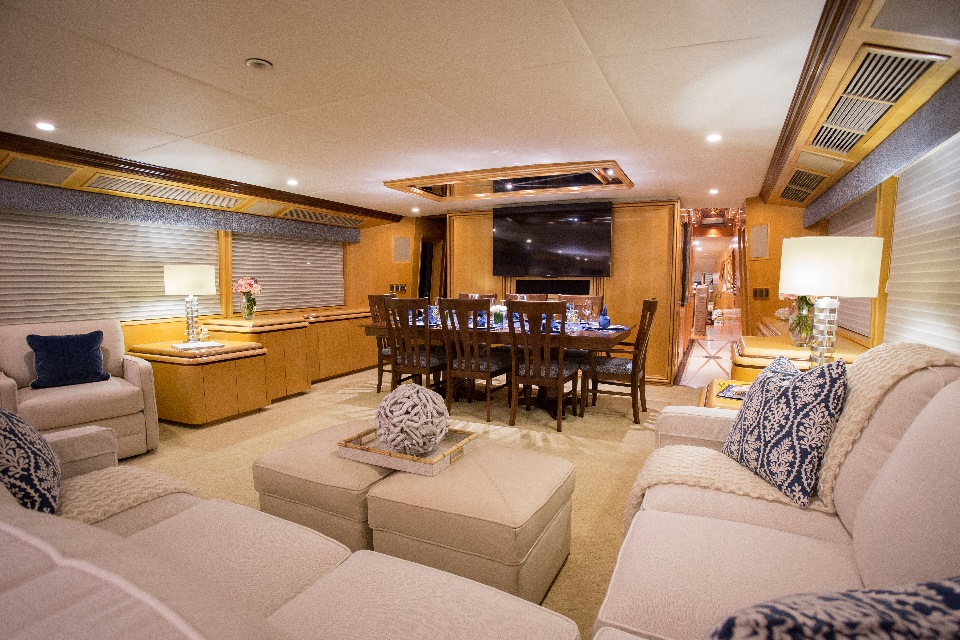 Yacht KELLY ANNE - Salon and Dining