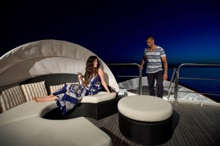 Yacht LA PERLA -  Cocktails on the Flybridge