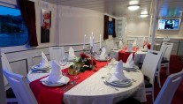 Yacht LA PERLA -  Formal dining area