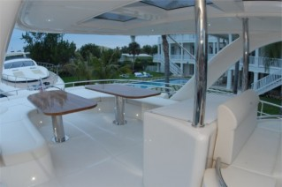 Yacht LEGEND AND SOUL -  Flybridge Dining