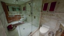 Yacht LOOSE ENDS -  Master Bathroom