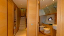 Yacht LUCIGNOLO -  Guest Bathroom and Hallway