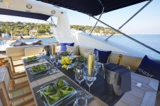 Yacht Live the Moment - Sundeck