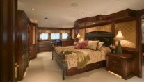 Yacht MAGIC master suite