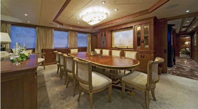 Yacht MIM - Formal Dining