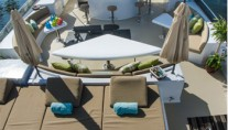 Yacht MIRACLE - Flybridge and Spa Pool