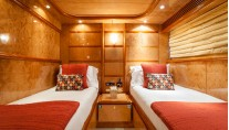 Yacht MIRACLE - Twin Cabin