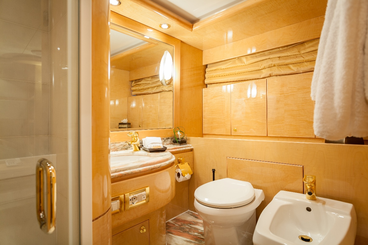 Yacht MIRACLE - VIP Ensuite