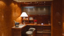 Yacht MY WAY - Master Desk