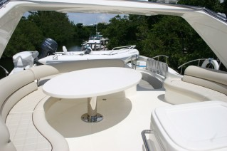 Yacht Mi Champion -  Flybridge.JPG