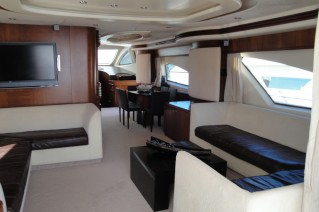 Yacht Mi Champion -  Salon.JPG