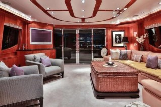 Yacht NO COMPLAINTS - Salon looking Aft