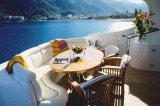 Yacht NO RULES - Aft deck dining