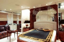 Yacht OBSESSIONS -  Master Cabin