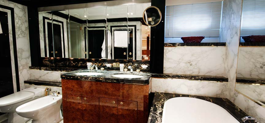 Yacht OBSESSIONS -  Master Ensuite