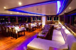 Yacht OCEAN SAPPHIRE -  Salon and Dining