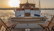 Yacht OLD DREAM -  Foredeck