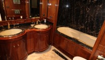 Yacht OPARI -  Bathroom