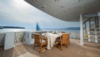 Yacht PALM B -  Aft Deck Al Fresco Dining