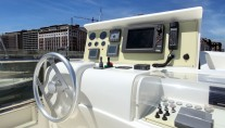 Yacht PAMPERO -  Flybridge Helm