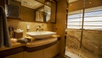 Yacht PERPETUAL -  Master Ensuite